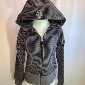 Lululemon Black and White Scuba Hoodie 4